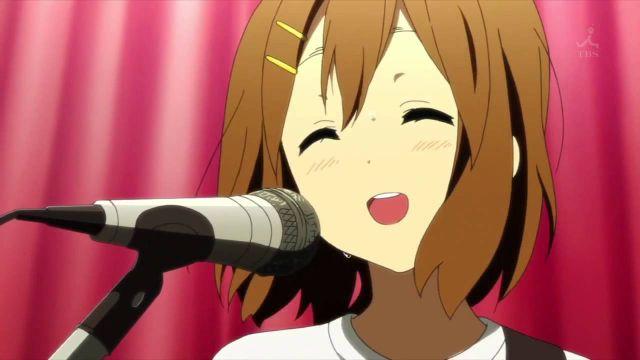 yui hirasawa singing microphone smile