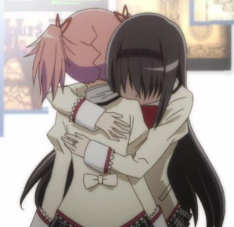 Madoka Magica homura hugging madoka